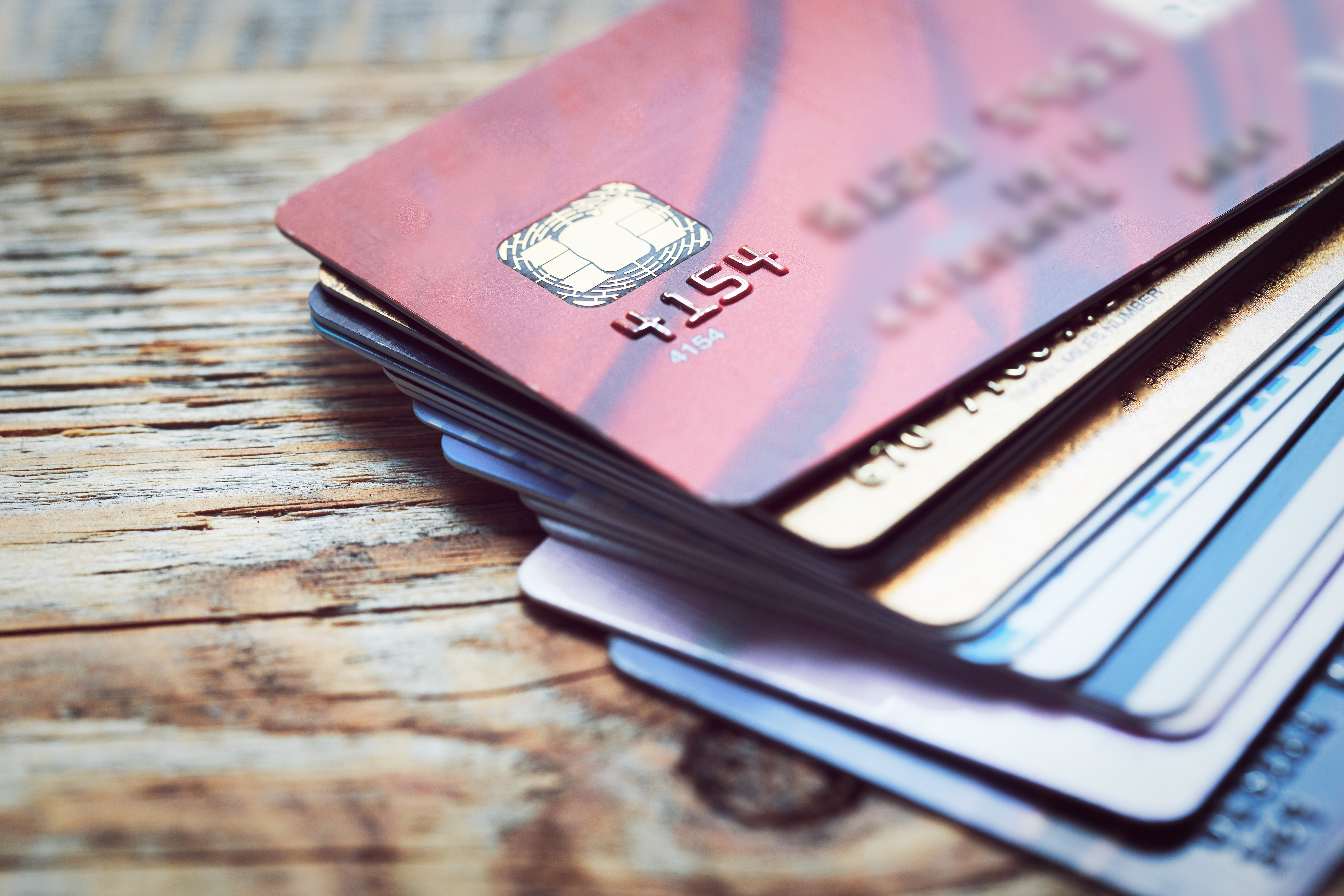 Choosing the right credit card | Exelby and Partners Ltd.